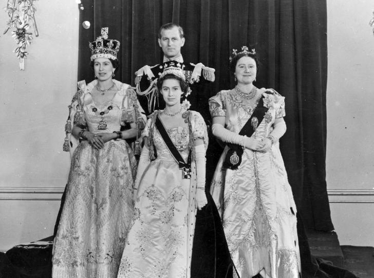 Фото №1 - Почему Королева хотела лишить принцессу Маргарет возможности стать регентом