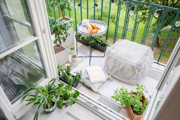 Фото №1 - Готові схеми: як перетворити балкон в круте місце для літнього відпочинку