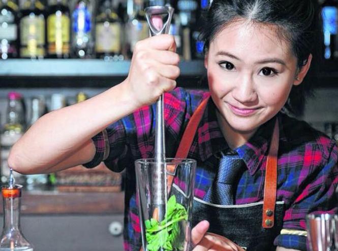 Фото №1 - Лучшие коктейли Гонконга от Джеки Ло можно будет попробовать в Москве