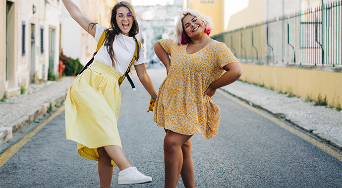Мода не знает размера: блогер с пышными формами доказала, что выглядеть стильно могут все