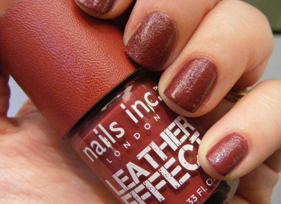 Фото №1 - «Зернистый» маникюр: Nails Inc презентовал новинку