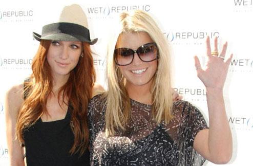 Джессика Симпсон (Jessica Simpson) и Эшли Симпсон (Ashlee Simpson)