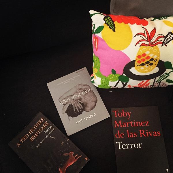 Фото №24 - Звездный Instagram: Знаменитости и книги