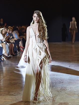 Фото №1 - JEAN PAUL GAULTIER представил коллекцию haute couture в Санкт-Петербурге