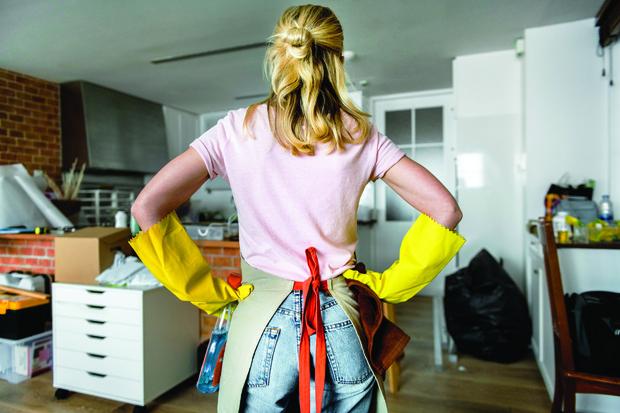 Фото №1 - Как и когда делать уборку перед Пасхой: приметы и мнение священника
