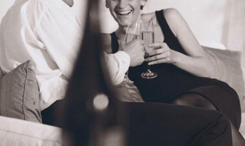 Фото №1 - Петербуржцы поступали в больницу Боткина из-за некачественного алкоголя и холодного шампанского