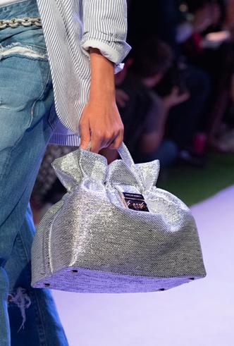 Фото №10 - Самые модные сумки весны и лета 2020