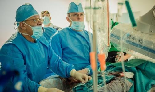 Фото №1 - В петербургской больнице пациентов с протезами сердечных клапанов лечат по-новому