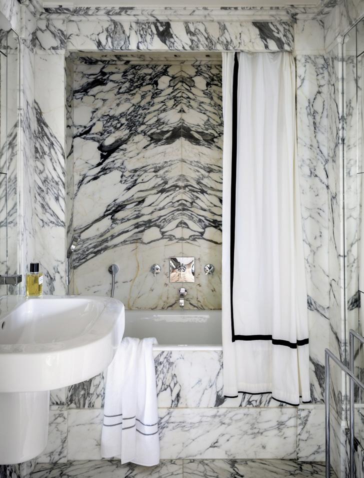 Фото №3 - Ванная комната в классическом стиле: 12 проектов с комментариями дизайнеров