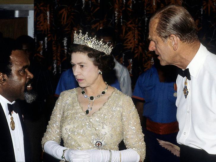 Фото №7 - Как королевские особы носят изумруды