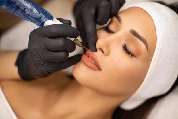 ошибки в перманентном макияже бровей и губ, советы мастера по перманентному макияжу 2020