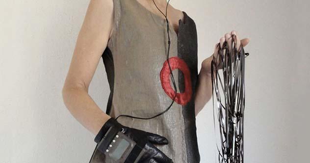 Фото №7 - 8 невероятных материалов, из которых изготавливают одежду