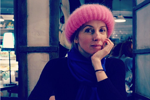 Фото №6 - Мохеровая шапка Елизаветы ll стала главным трендом зимы 2013