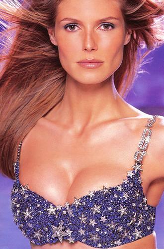 Фото №9 - Полцарства за бюстгальтер: как выглядят все драгоценные Fantasy Bra Victoria's Secret