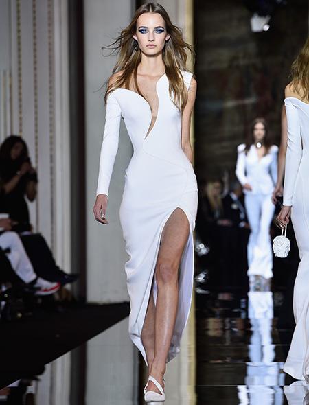 Неделя высокой моды в Париже Atelier Versace