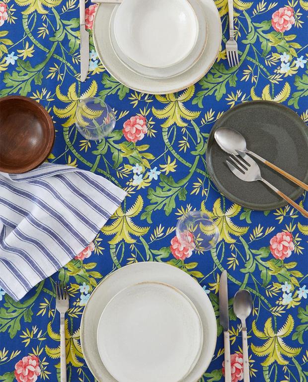 Фото №1 - Модные скатерти для летнего стола