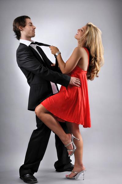 Фото №2 - Как привязать к себе мужчину: сексуальный приворот и другие техники