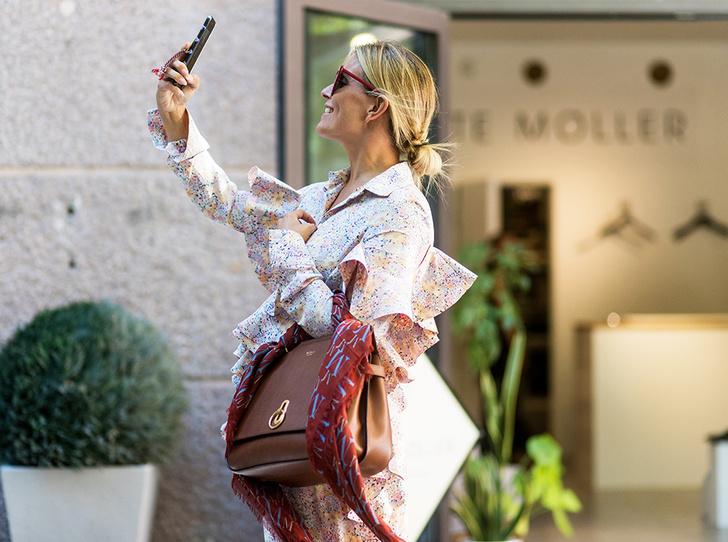Фото №1 - Секреты женской сумки: планшет, смартфон, колонка и маленькая собачонка