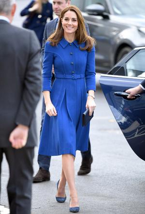 Фото №9 - Символы и знаки: как королевская семья общается при помощи одежды
