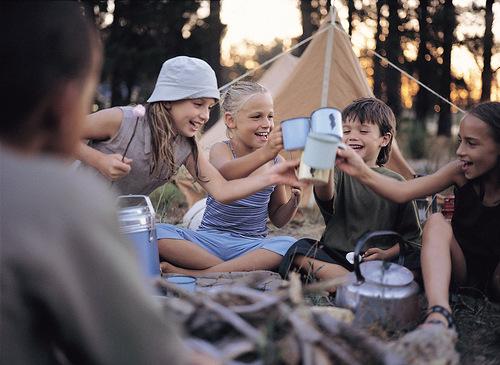 Фото №1 - Журнал «Счастливые родители» приглашает маленьких любителей приключений на «День ПИ»   в кафе АндерСон