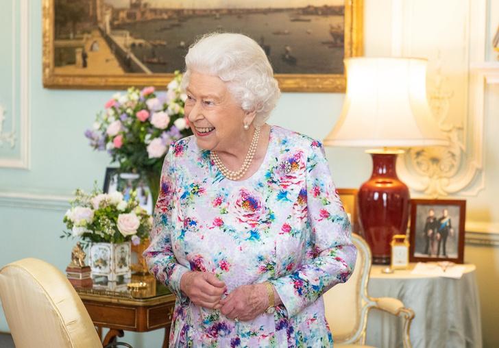 Фото №2 - Тысячелетняя традиция Виндзоров, которой до сих пор верна Елизавета II