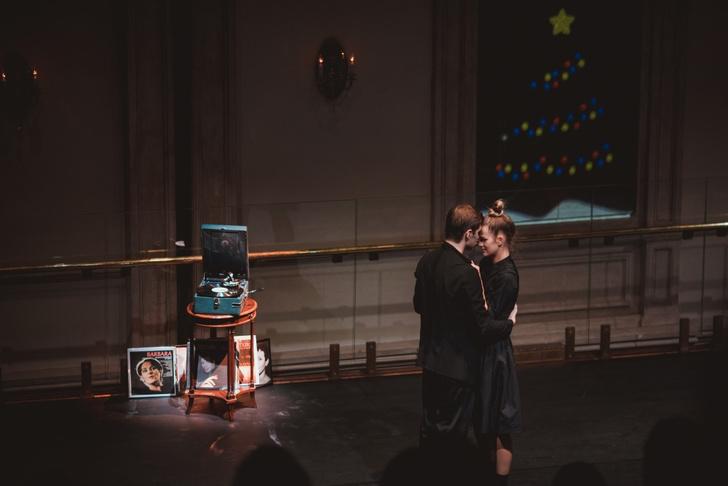 Фото №2 - Вечер в Париже: постановка «Двое. День в Париже» перенесла гостей во Францию