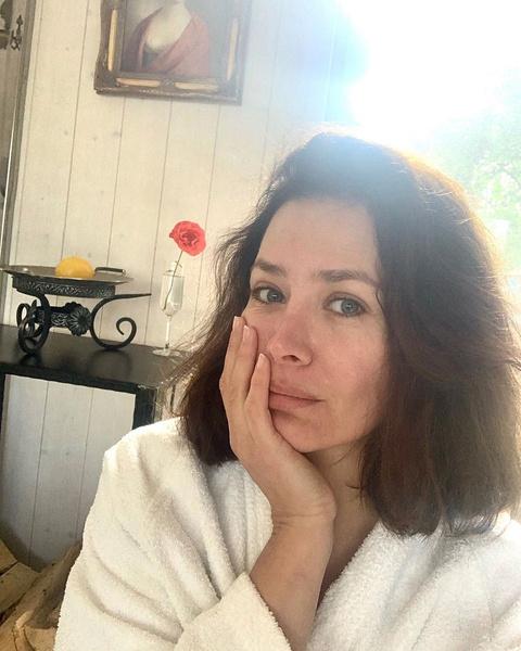 Фото №1 - Осколок прошлого: Екатерина Волкова оказалась в больнице из-за травмы 10-летней давности