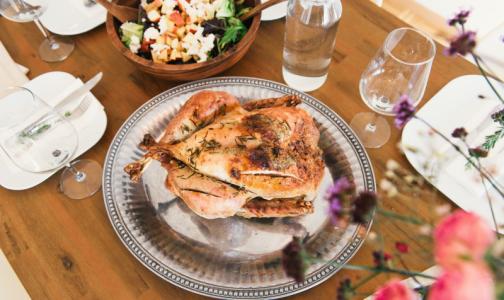 Фото №1 - Роскачество нашло в курином филе антибиотики и хлор