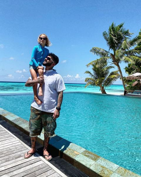 Фото №2 - «Мы уже месяц не можем договориться»: Решетова боится отпускать сына на отдых с Тимати
