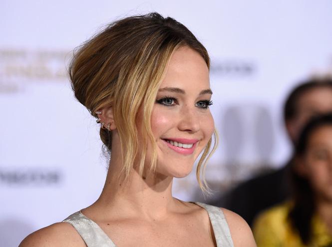 Фото №1 - Названа самая высокооплачиваемая актриса Голливуда