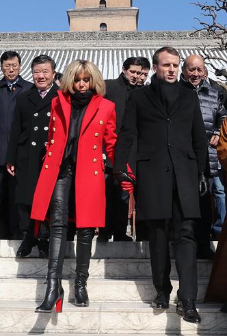 Фото №9 - Лучше, чем Мелания: 5 идеальных нарядов Брижит Макрон в Китае