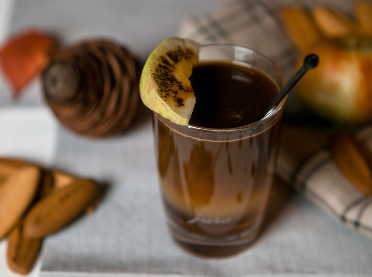 Фото №4 - Страшно вкусно: три рецепта кофе для горячего Хэллоуина