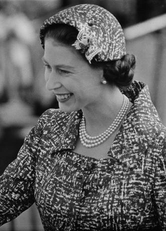 Фото №8 - Морские сокровища: как королевские особы носят жемчуг