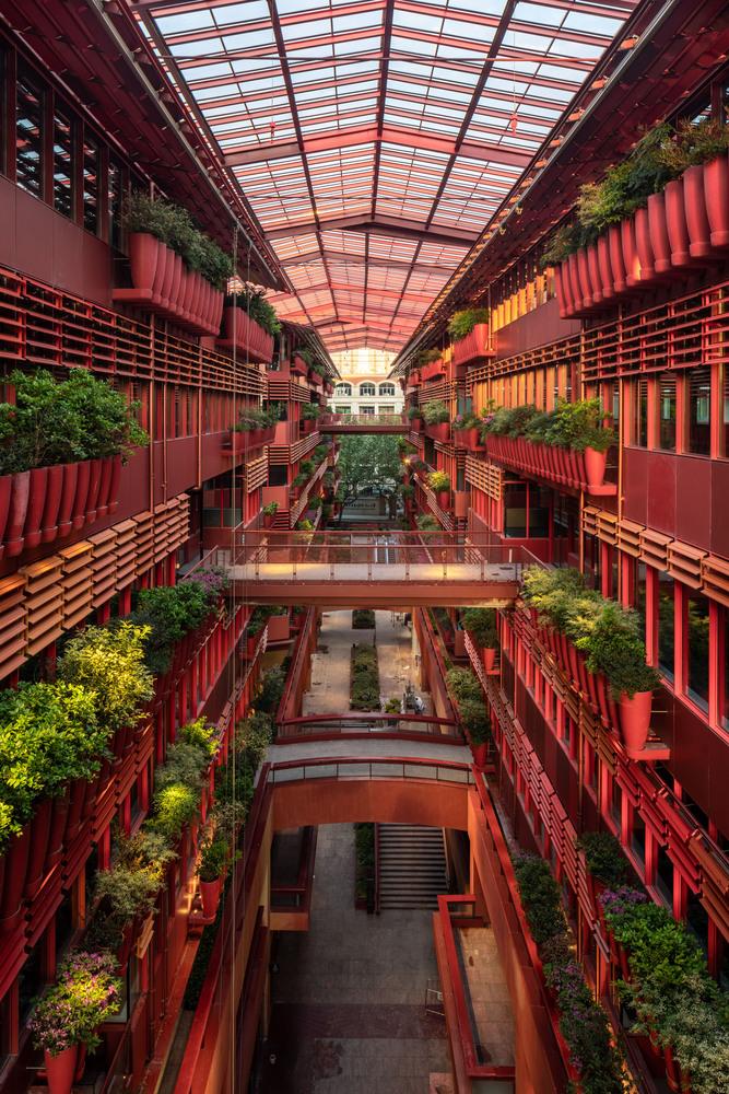 Фото №2 - Коммерческое здание по проекту Жана Нувеля в Шанхае
