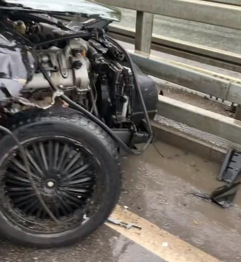 Фото №1 - «Сидела в телефоне за рулем»: Белла Потемкина вдребезги разбила машину мужа