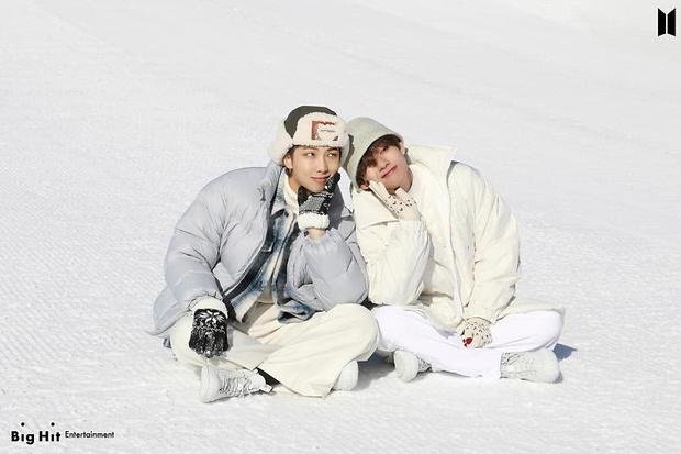 Фото №51 - Снежные ангелы: Big Hit Entertainment выложил 65 новых фото BTS 😍