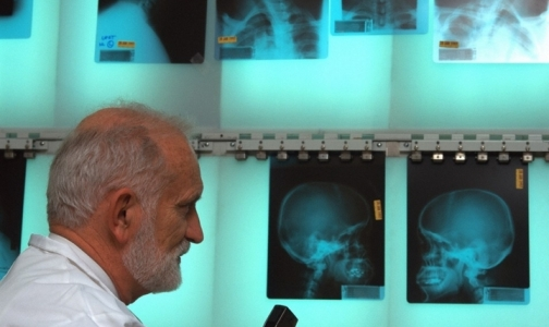 Фото №1 - Для испытания на пациентах новых методов лечения Минздрав создает Этический комитет