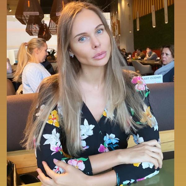 Фото №1 - Спустя всего две недели после начала романа Павел Мамаев начал жить с новой любовницей вместе