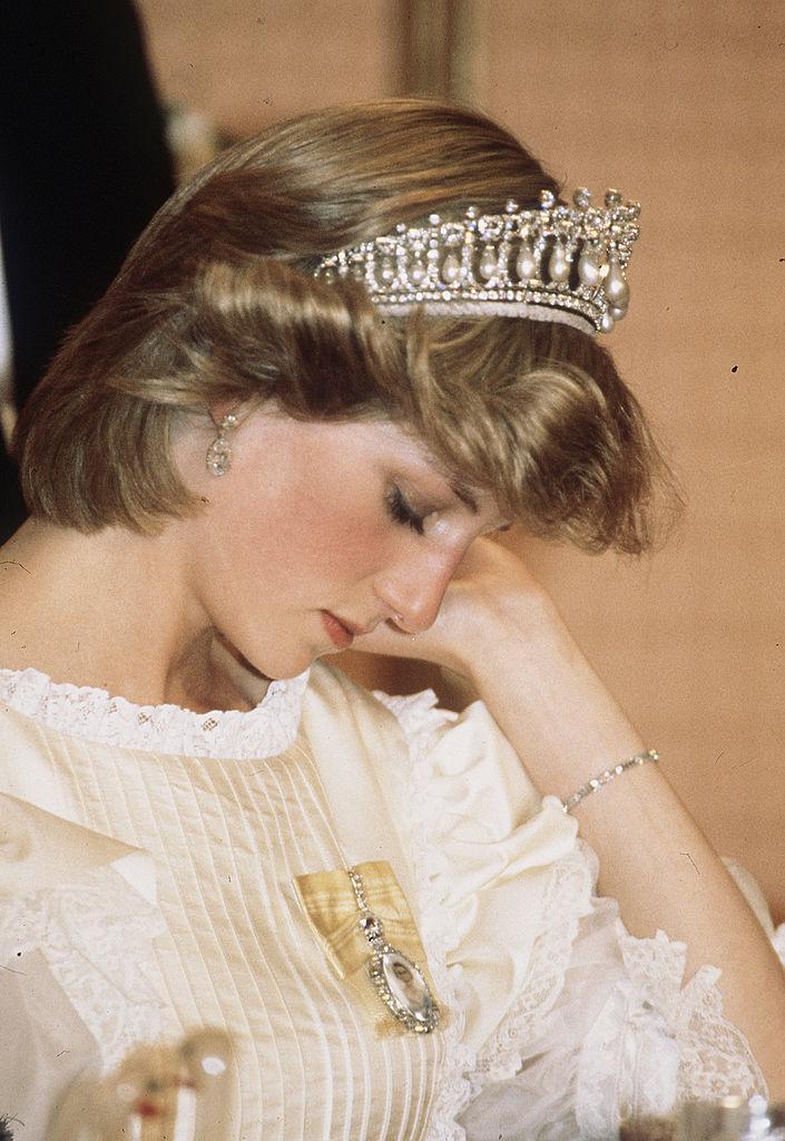 Фото №3 - Грустная принцесса: 11 доказательств того, что Диана не была счастлива в браке