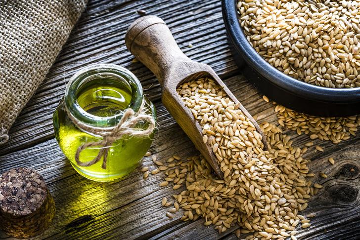 Фото №1 - Почему льняное масло и семена гарантируют женщинам красоту и здоровье