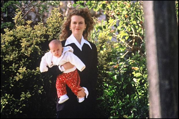 Фото №2 - Старшая дочь Николь Кидман и Тома Круза делает робкие шаги к примирению с матерью после 19 лет бойкота