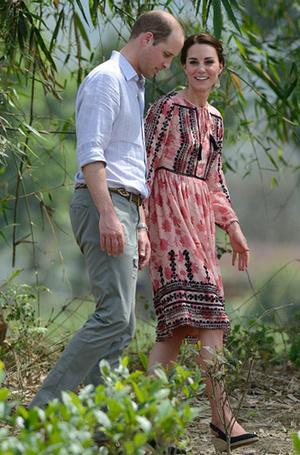 Фото №14 - 12 королевских традиций, которые нарушили Кейт Миддлтон и принц Уильям