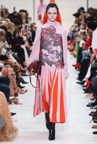 Фото №31 - Кожа, цветы и клетка: самые модные платья для осени и зимы 2019-20