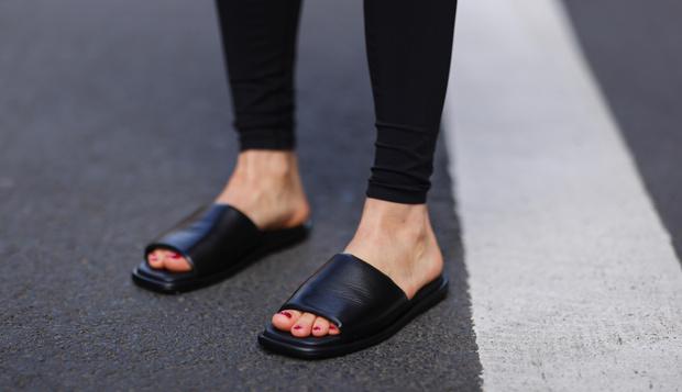 Фото №34 - Самые модные босоножки и сандалии лета 2021
