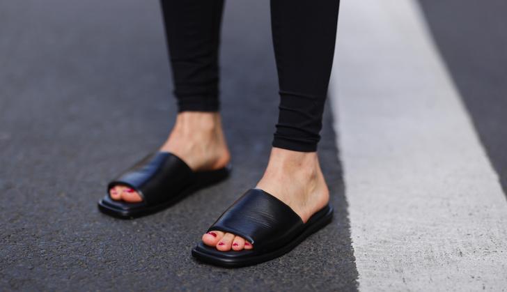 Фото №35 - Самые модные босоножки и сандалии лета 2021