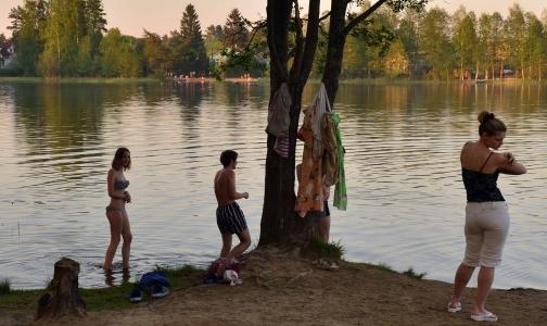 Фото №1 - Роспотребнадзор Ленобласти рассказал, где можно купаться