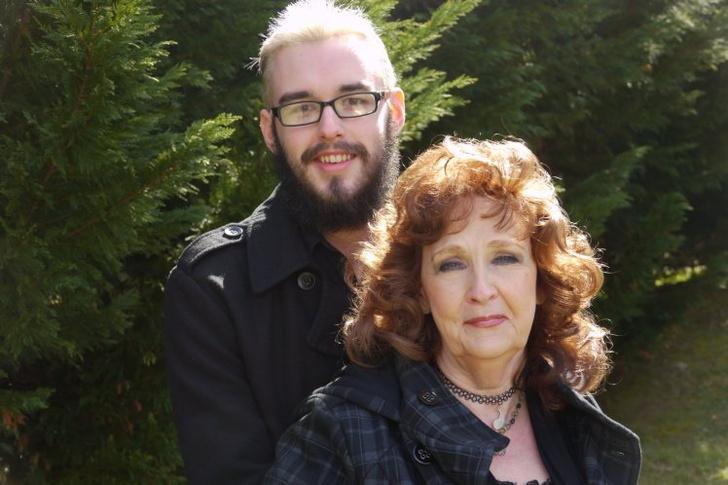Фото №1 - 19-летний подросток женился на 72-летней женщине, они создали канал на Youtube и живут счастливо
