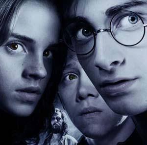 Фото №1 - Седьмая книга о Гарри Поттере бьет рекорды