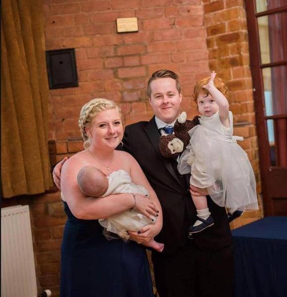 Фото №1 - Врачи приняли беременность за ОРВИ, и женщина родила в ванной