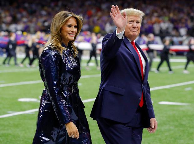 Фото №3 - Конфликт в Белом доме: Мелания Трамп оттолкнула руку мужа (снова)